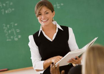 a-houston-tutor-teaching-to-a-bunch-of-students