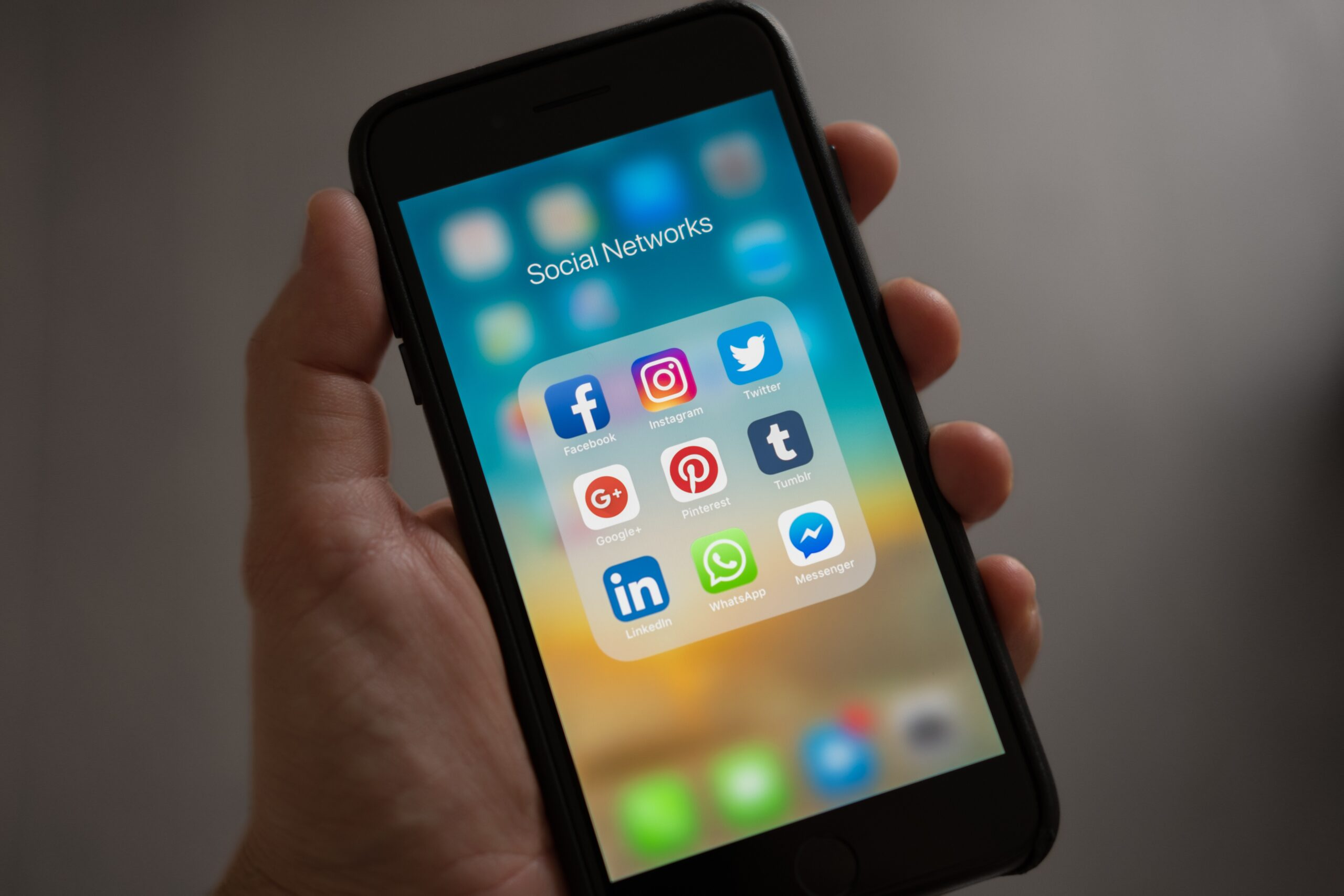 Six Simple Ways You Can Earn from Social Media in 2021